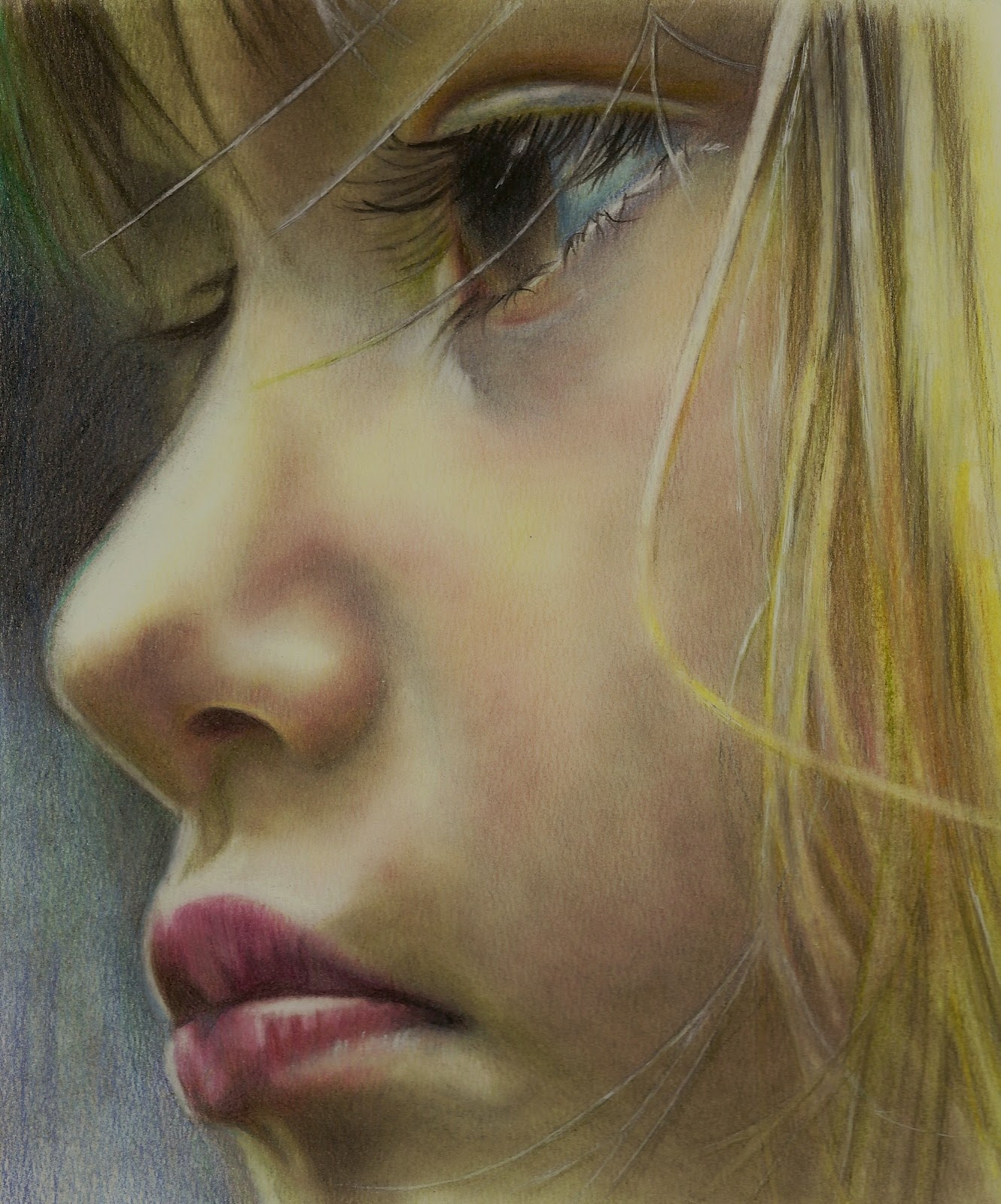 Портрет цветным карандашом